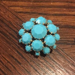Jewelry - Vintage turquoise glass brooch